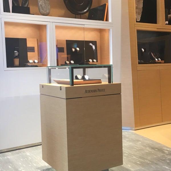 027e18ffa Audemars Piguet Boutique St. Regis İstanbul - Watch Shop