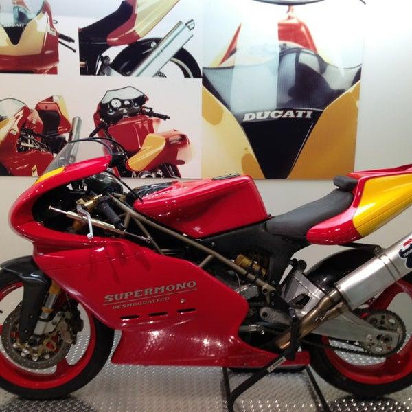 4/4/2013 tarihinde Dario B.ziyaretçi tarafından Ducati Motor Factory & Museum'de çekilen fotoğraf
