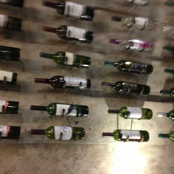 Foto diambil di My Suites Boutique Hotel & Wine Bar Montevideo oleh Jorge M. pada 5/17/2013
