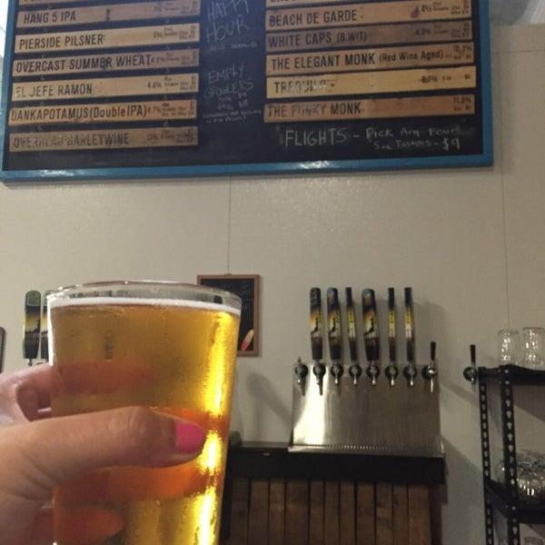 Foto tomada en Beach City Brewery por J el 7/20/2015
