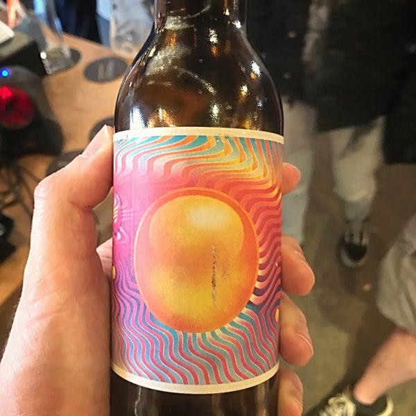 Das Foto wurde bei The Bottle Shop von Dave F. am 6/3/2018 aufgenommen