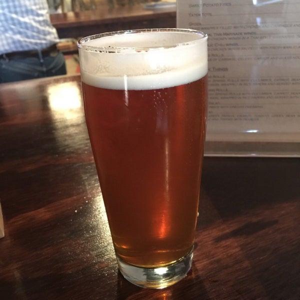 Foto tomada en ChuckAlek Independent Brewers por Steven M. el 3/30/2015