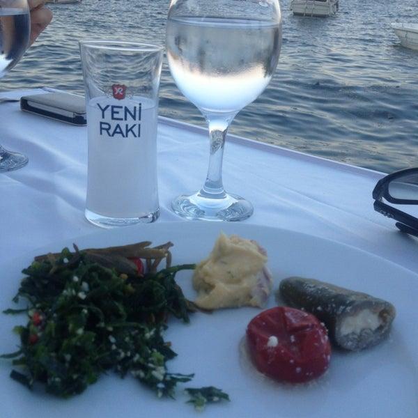 Foto diambil di Yasemin Restaurant oleh Ebru K. pada 8/25/2013