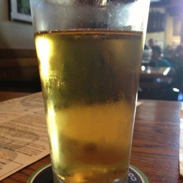 รูปภาพถ่ายที่ Hop Valley Brewing Co. โดย Tianna H. เมื่อ 6/29/2013