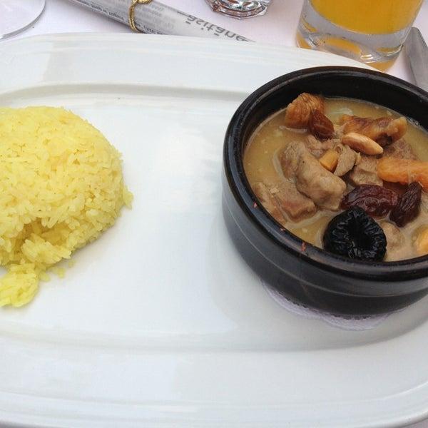 Foto diambil di Asitane Restaurant oleh İlknur P. pada 6/27/2013