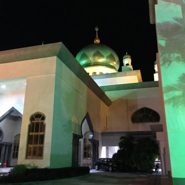 7/4/2016 tarihinde 尊賴特ziyaretçi tarafından Masjid Al-Ameerah Al-Hajjah Maryam, Kg Jerudong'de çekilen fotoğraf