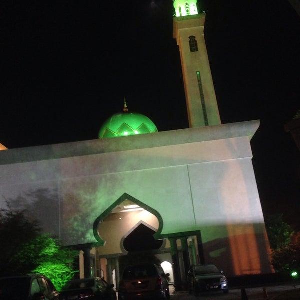 6/7/2017 tarihinde 尊賴特ziyaretçi tarafından Masjid Al-Ameerah Al-Hajjah Maryam, Kg Jerudong'de çekilen fotoğraf