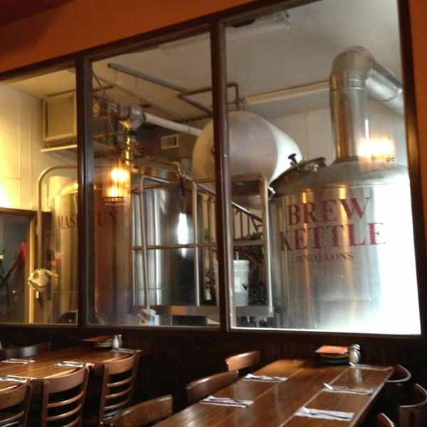 Das Foto wurde bei Square One Brewery & Distillery von Jesse G. am 2/2/2013 aufgenommen