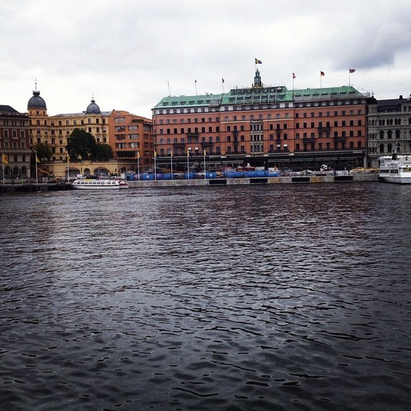 Foto tirada no(a) Grand Hôtel Stockholm por Matthew P. em 9/27/2012