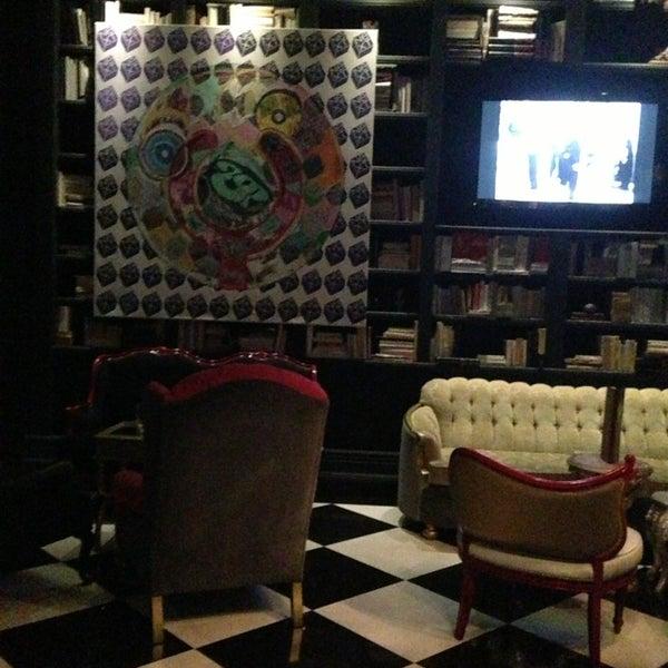 Foto tomada en The Lady Silvia Lounge por James B. el 8/18/2013