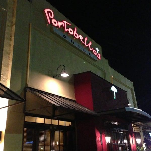 7/13/2013에 Aaron O.님이 Portobello's Grill에서 찍은 사진