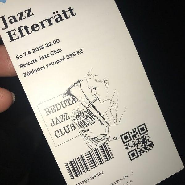 Foto tomada en Reduta Jazz Club por Sina K. el 4/7/2018