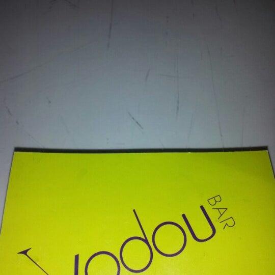 Foto tomada en Vodou Bar por L. Joy W. el 10/23/2012