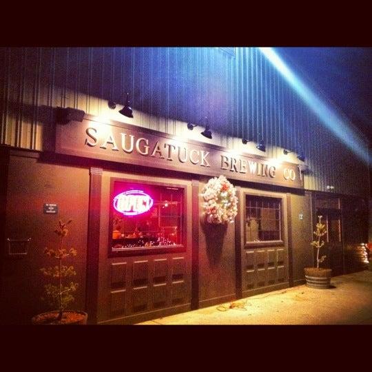 Снимок сделан в Saugatuck Brewing Company пользователем Ryan S. 11/30/2012