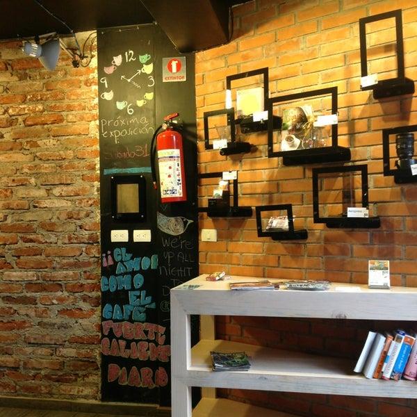 Foto diambil di Arts & Coffee Co. oleh ElJohNyCe pada 8/27/2013