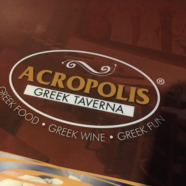 Foto tirada no(a) Acropolis Greek Taverna por Noha R. em 3/16/2017