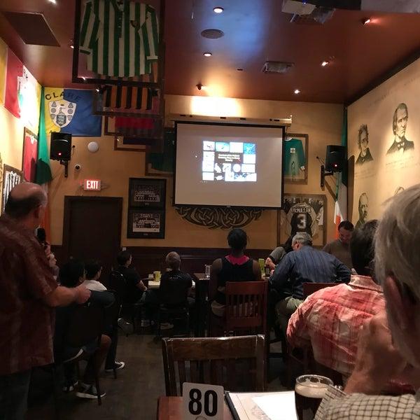 Foto scattata a McMullan's Irish Pub da Joe B. il 4/5/2018