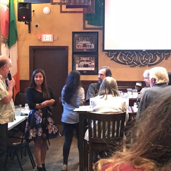 Foto scattata a McMullan's Irish Pub da Joe B. il 10/4/2018