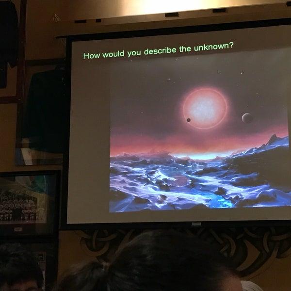 Foto scattata a McMullan's Irish Pub da Joe B. il 10/5/2017
