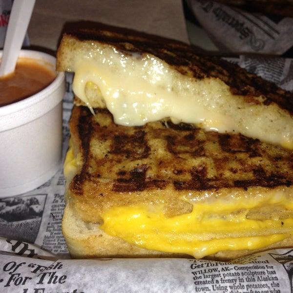 Снимок сделан в New York Grilled Cheese Co. пользователем Alex C. 7/10/2013