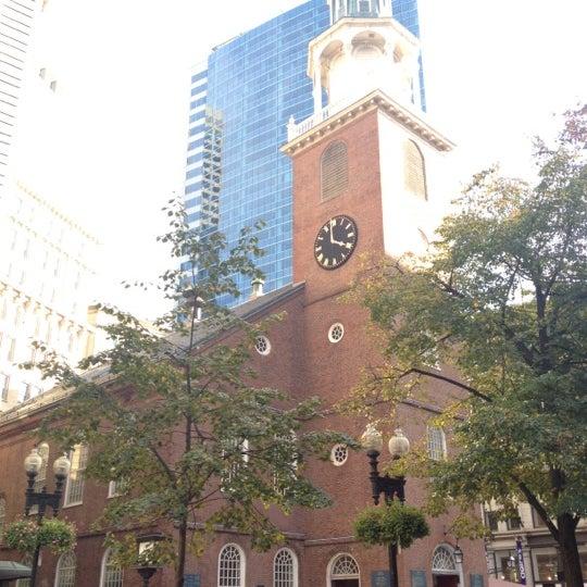 รูปภาพถ่ายที่ Old South Meeting House โดย Amanda A. เมื่อ 10/20/2012