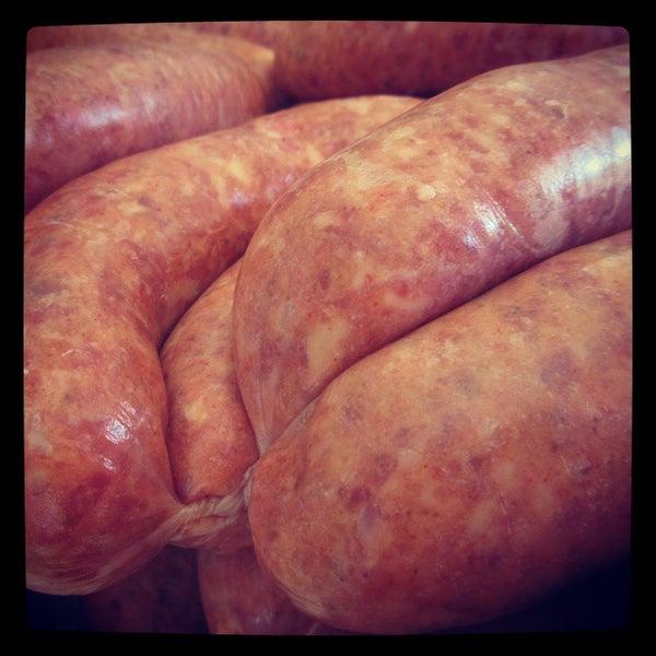 Foto tirada no(a) Proper Sausages por Frederick K. em 10/17/2014