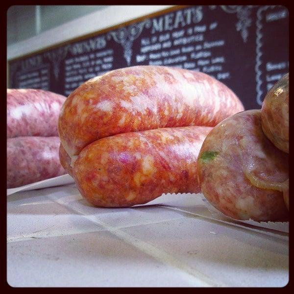 Foto tirada no(a) Proper Sausages por Frederick K. em 1/9/2015