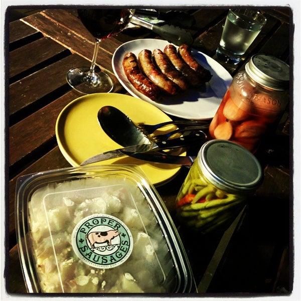 Foto tirada no(a) Proper Sausages por Frederick K. em 8/31/2014