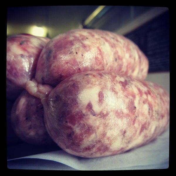 Foto tirada no(a) Proper Sausages por Frederick K. em 8/28/2014