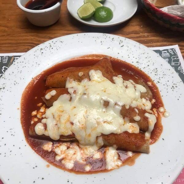รูปภาพถ่ายที่ Restaurante Don Toribio โดย Aarón S. เมื่อ 2/19/2019