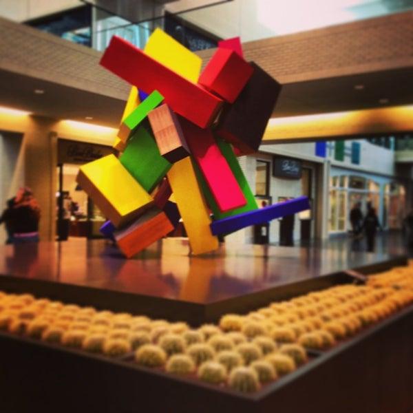 12/24/2012 tarihinde Louay K.ziyaretçi tarafından NorthPark Center'de çekilen fotoğraf