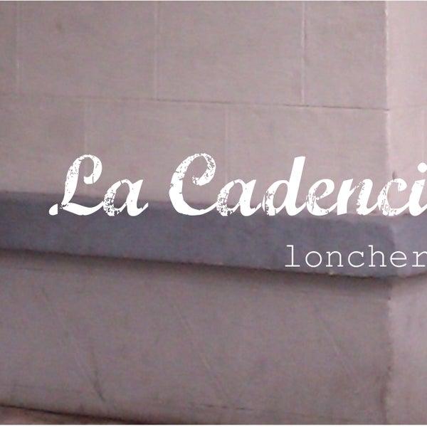 Foto tirada no(a) La Cadencia Lonchería por La Cadencia Lonchería em 1/30/2015