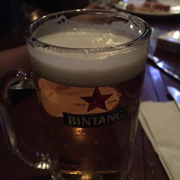 Снимок сделан в Die Stube German Bar & Resto пользователем Krystabel D. 10/6/2017