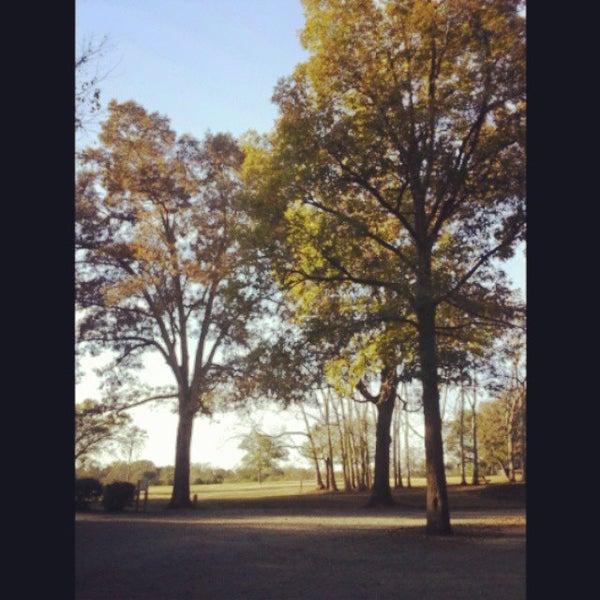 Foto scattata a Anne Springs Close Greenway da Emily L. il 10/27/2013