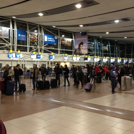 Foto tomada en Aeropuerto Internacional Comodoro Arturo Merino Benítez (SCL) por Gonzalo P. el 10/8/2012