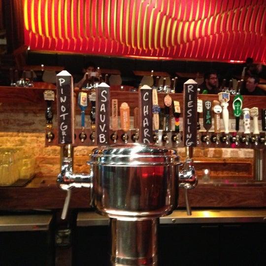 Снимок сделан в Lucky's Tavern пользователем Jose N. 11/12/2012