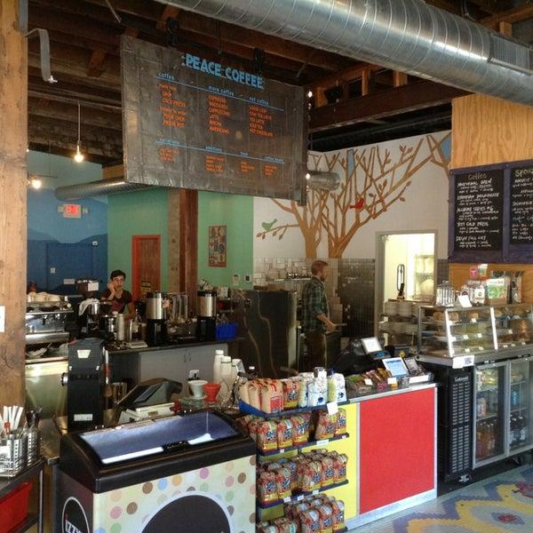 9/24/2013에 Santa E.님이 Peace Coffee Shop에서 찍은 사진