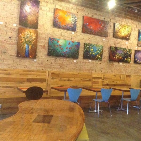 6/5/2013에 Santa E.님이 Peace Coffee Shop에서 찍은 사진