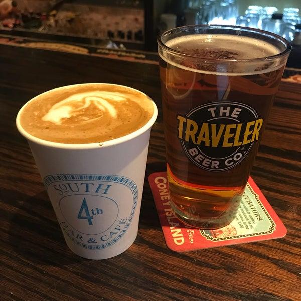 รูปภาพถ่ายที่ South 4th Bar & Cafe โดย Rachel T. เมื่อ 12/22/2017