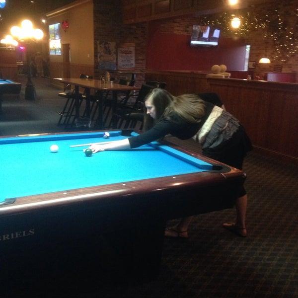 6/14/2014에 Michael I.님이 Two Stooges Sports Bar & Grill에서 찍은 사진