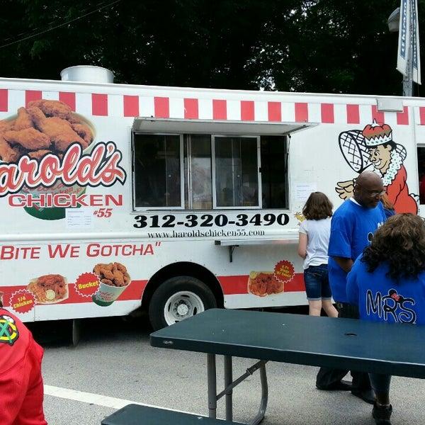 Harolds Chicken Truck Food Truck In Chicago