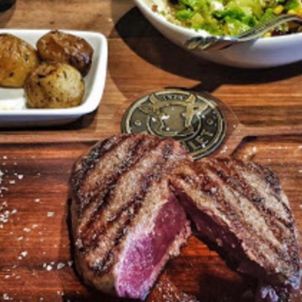 1/10/2019 tarihinde Doğan K.ziyaretçi tarafından Bonfilet Steak House & Kasap'de çekilen fotoğraf