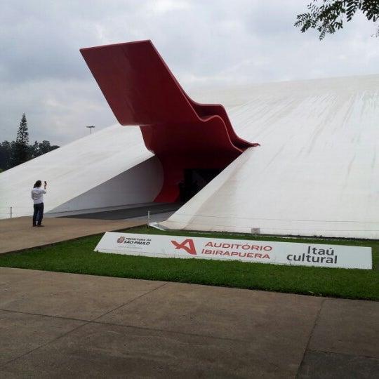 11/15/2012에 Marco A.님이 Auditório Ibirapuera Oscar Niemeyer에서 찍은 사진