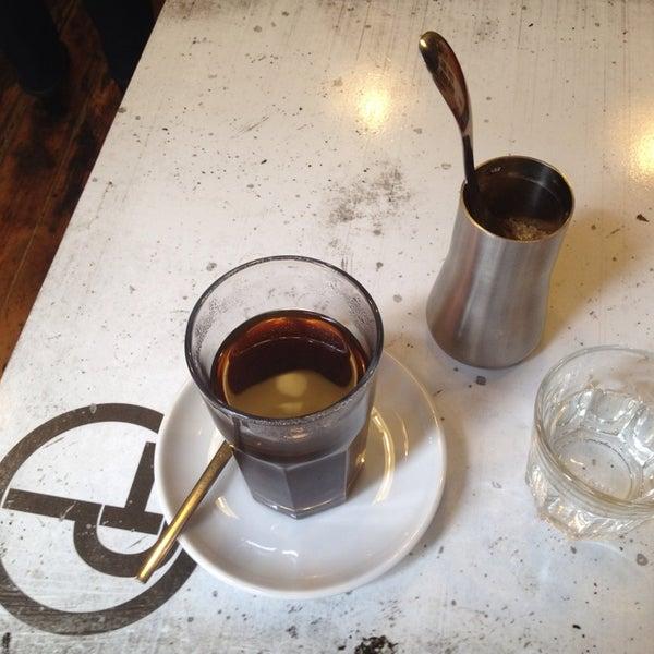 6/11/2013에 Zoltán M.님이 Tamp & Pull Espresso Bar에서 찍은 사진