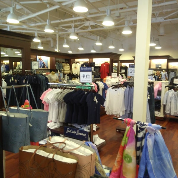 Clothing In Store Ralph Factory Barstow Lauren Polo Photos At 7IgYbyvf6