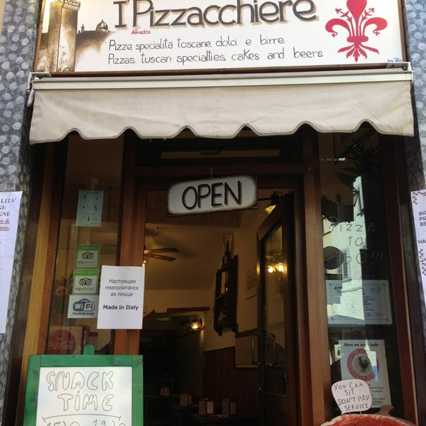 Photo taken at I' Pizzacchiere by Vadimka S. on 8/16/2013