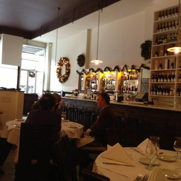 Снимок сделан в Le Midi Bar & Restaurant пользователем Heath T. 12/23/2012