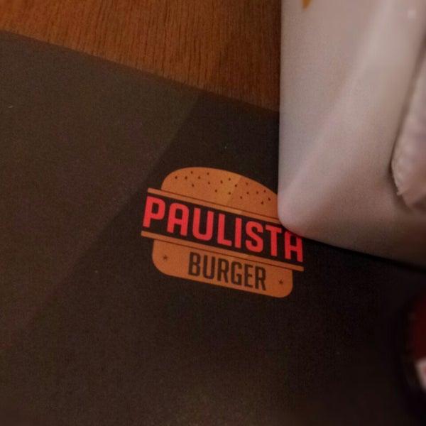 Photo prise au Paulista Burger par André C. le8/15/2013