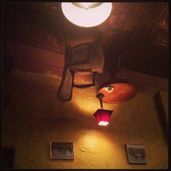 รูปภาพถ่ายที่ Luzzo's โดย Christine H. เมื่อ 6/23/2013