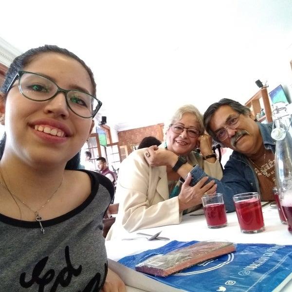 รูปภาพถ่ายที่ Restaurante Don Toribio โดย Silvia Guadalupe F. เมื่อ 4/10/2019